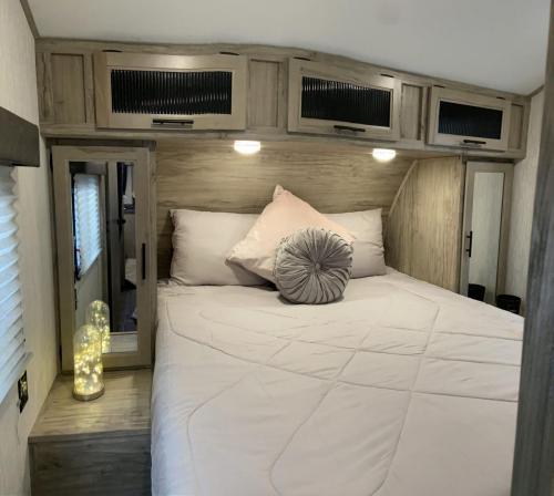 110TT bedroom