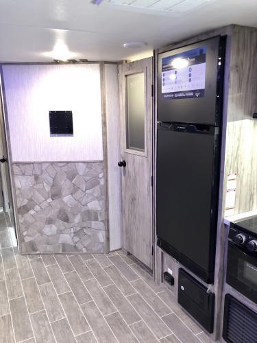 110TT fridge pantry