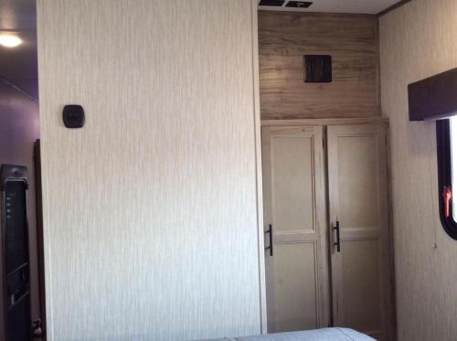 965 bedroom storage