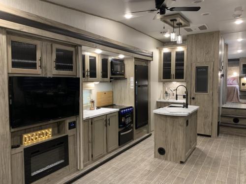 965 kitchen view
