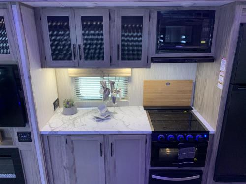 965 oven and storage