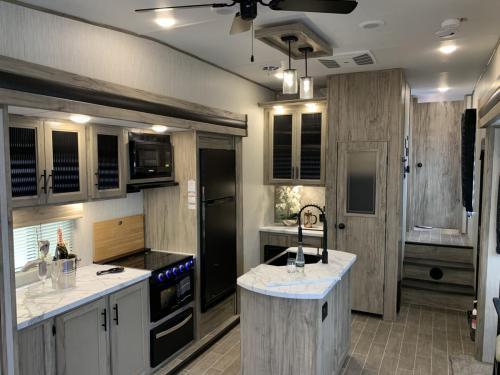 965 view of kitchen