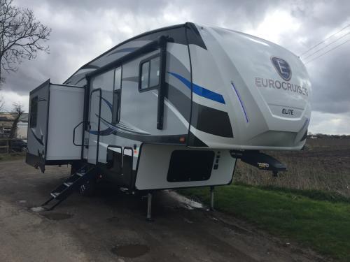 EuroCruiser 915 Elite
