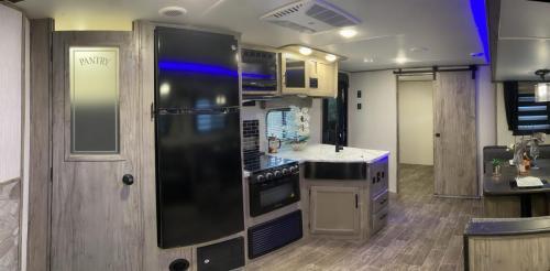 110TT kitchen pantry view